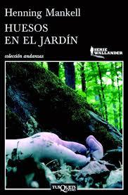 huesos_en_el_jardin